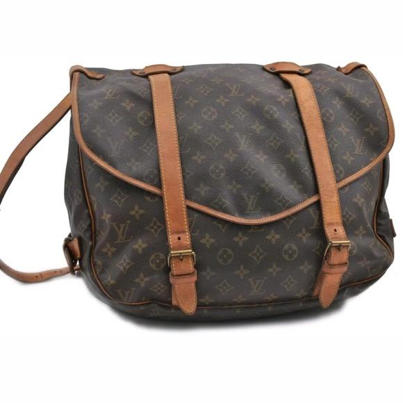 039fa408e Louis Vuitton Bags | 2300 Auth Samur 43 Bag | Poshmark